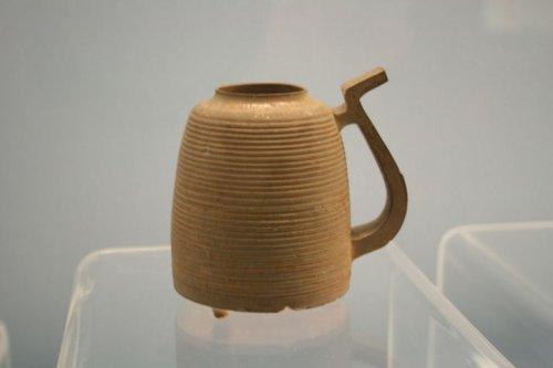 Cốc uống nước celadon thời Chiến Quốc