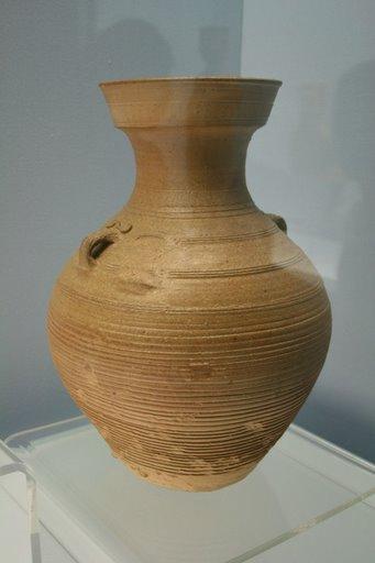 Vò celadon thời Hán
