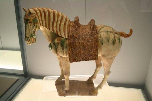 Tượng ngựa men tam sắc ( Tang sancai)