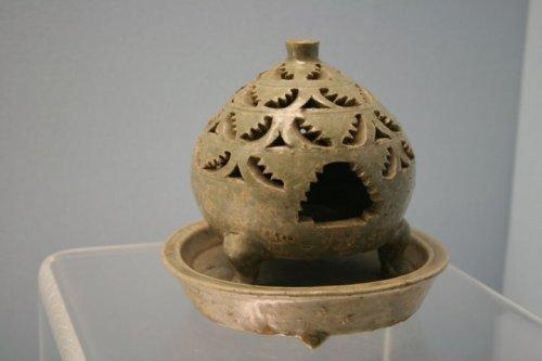 xông hương men xanh - triều đại Tây Tấn