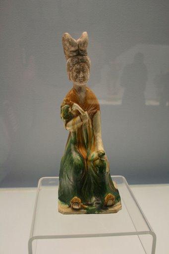 Tượng phụ nữ - triều đại nhà Đường - Tang sancai