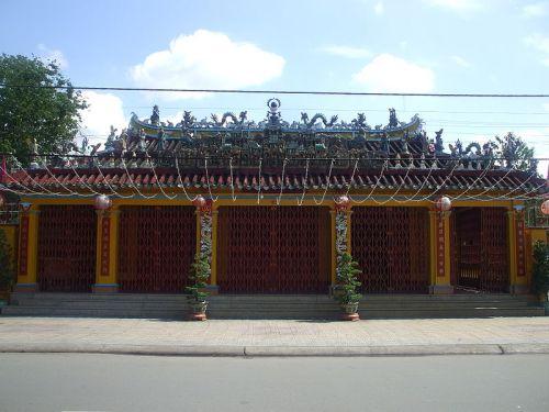 Đình Tân Lân, đánh dấu nơi định cư đầu tiên của nhóm Trần Thượng Xuyên ở vùng Đồng Nai.