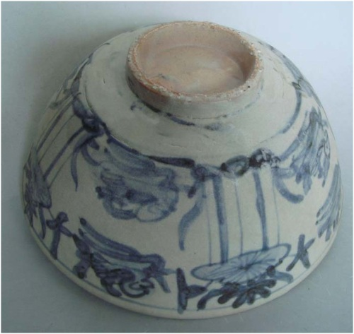 Late Ming Swatow blue and white bowl with duck and lotus  Dia:   19.5   cm.  Sale Price: US$150  Good condition with some glaze degradation