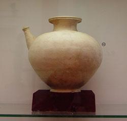Gốm cổ Óc Eo trong Viện Bảo Tàng