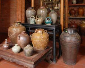 Một số sản phẩm gốm Quảng Đức
