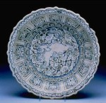 Fine Blue and White Barbed Rim Dish