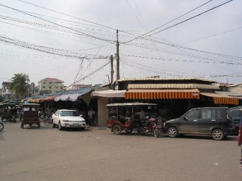 phnom-penh-psar-tuol front