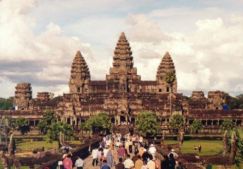 """Đền Angkor Wat ở Campuchia là nơi bị bọn trộm """"viếng thăm"""" thường xuyên nhất"""