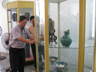 Các sản phẩm gốm được trưng bày tại Triển lãm Gốm Biên Hòa