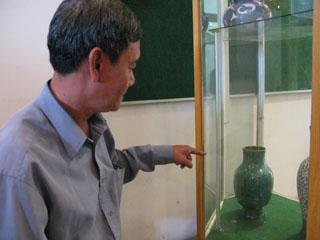 Gốm Biên Hòa nổi tiếng với màu men xanh đồng trổ hoa