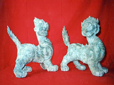 Hai trong sáu món cổ vật giả mà Trần Kim Hoa lừa bán cho ông Nguyễn Tiến Trường