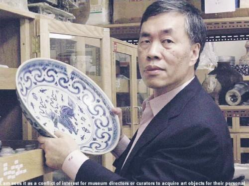 Về việc sưu tầm cổ vật cho chính mình, ông Lam thấy nó là một sự xung đột về quyền lợi