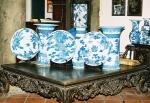 Đĩa, ống cắm tranh, lọ hoa, phỏng chế theo đồ sứ Nội phủ - Khánh xuân thời Lê - Trịnh.