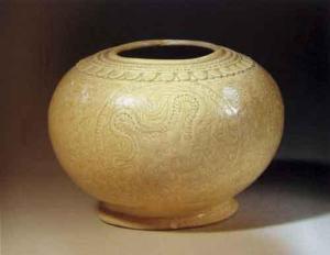 Bát gốm men trắng, thế kỷ 11-13, nghệ thuật gốm thời Lý.