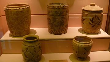 Thạp, hũ, liễn trang trí hoa và chim. Gốm hoa nâu, triều Trần thế kỷ 13,14