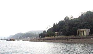 """Đảo Cống Đông - Một trong những nơi để lại dấu ấn đậm nhất về """"con đường gốm sứ"""" trên Vịnh Hạ Long."""