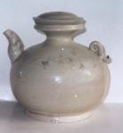 Âm men trăng quai hình ca bay đơi Ly - XII - XIV Century Ewer with cracked white glaze and fish shaped handle
