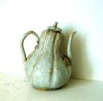 Âm qua bâu đơi Ly XI – XII Century Gourd Shaped Ewer with bluish-white glaze